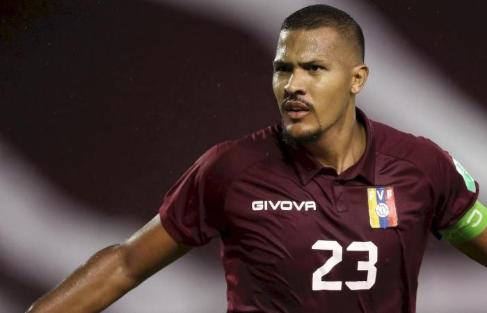 Salomon Rondon has been unveiled as a new player for Everton
